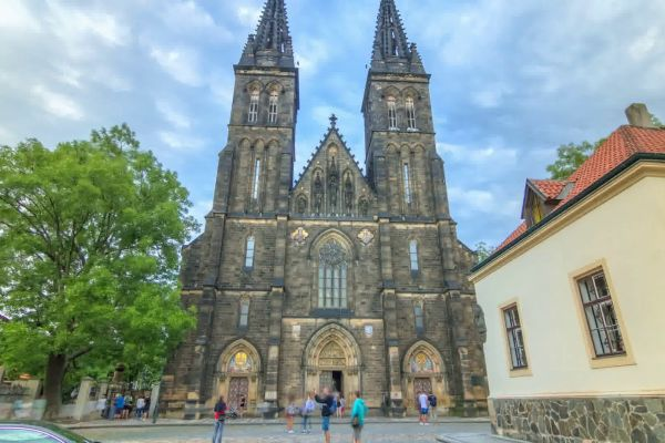 See Prague with 3 Hop on hop off lines