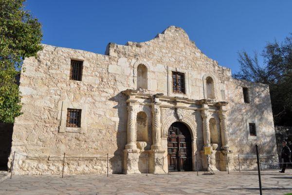 Originally known as 'Misión San Antonio de Valero'