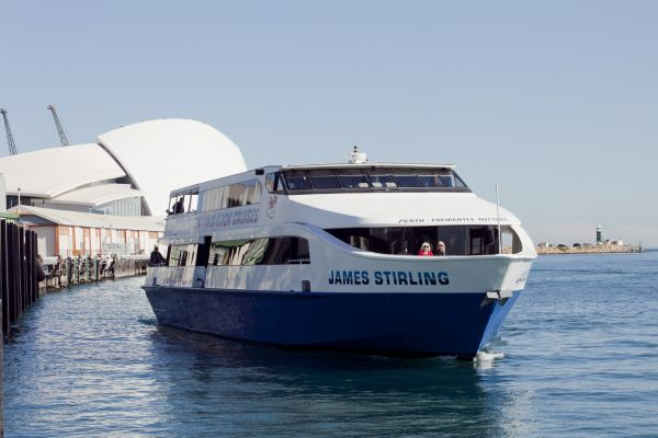 Return river cruise Perth-Fremantle