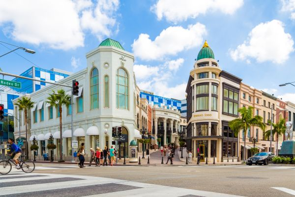 A cruise through Beverly Hills including Rodeo Drive