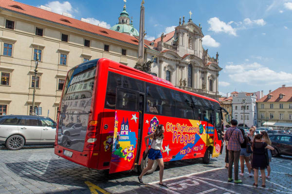 With over 15 stops over our Red, Blue and Purple line there really is nothing to miss out on with City Sightseeing Prague.