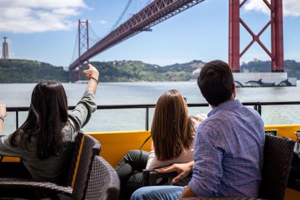 25 de Abril Bridge - Yellow Boat Tour