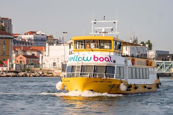 An inspiring cruise - Yellow Boat Tour