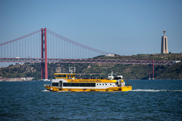 Leisure and Culture on a relaxing river cruise - Yellow Boat Tour