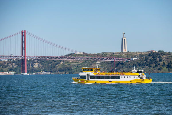 25 de Abril Bridge and Cristo Rei Statue - Yellow Boat Tour