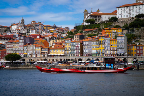 Porto typical houses view - Six Bridges Cruise