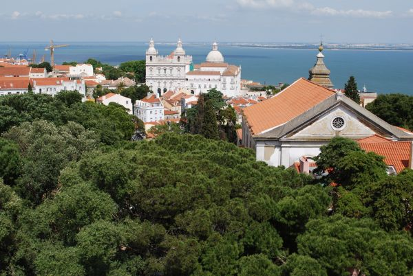 Church of Santa Cruz do Castelo