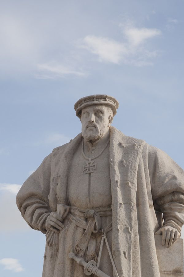 Statue of King John the Third