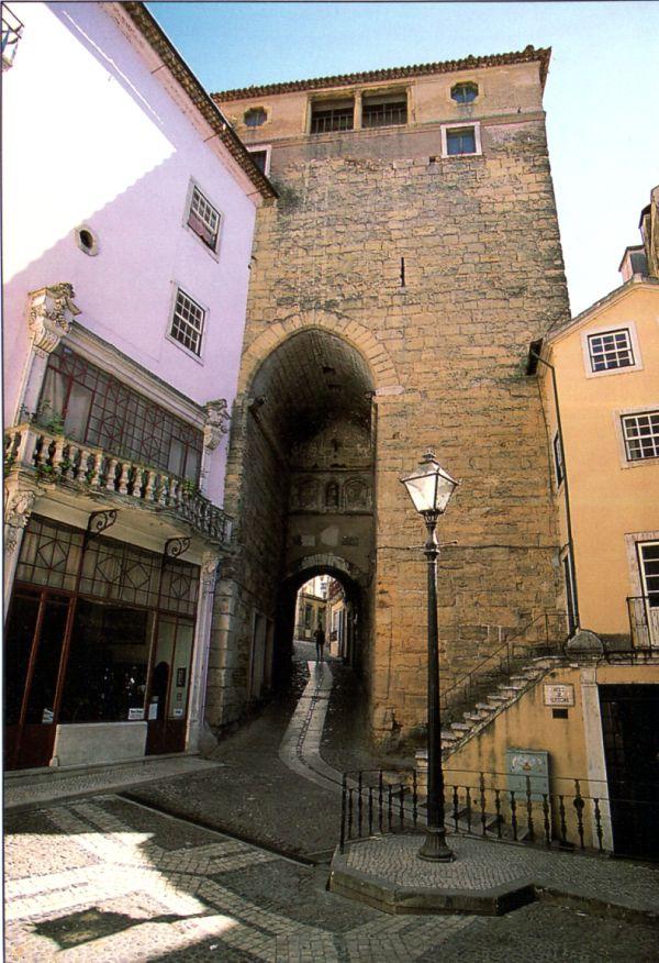 Door and Tower of Almedina